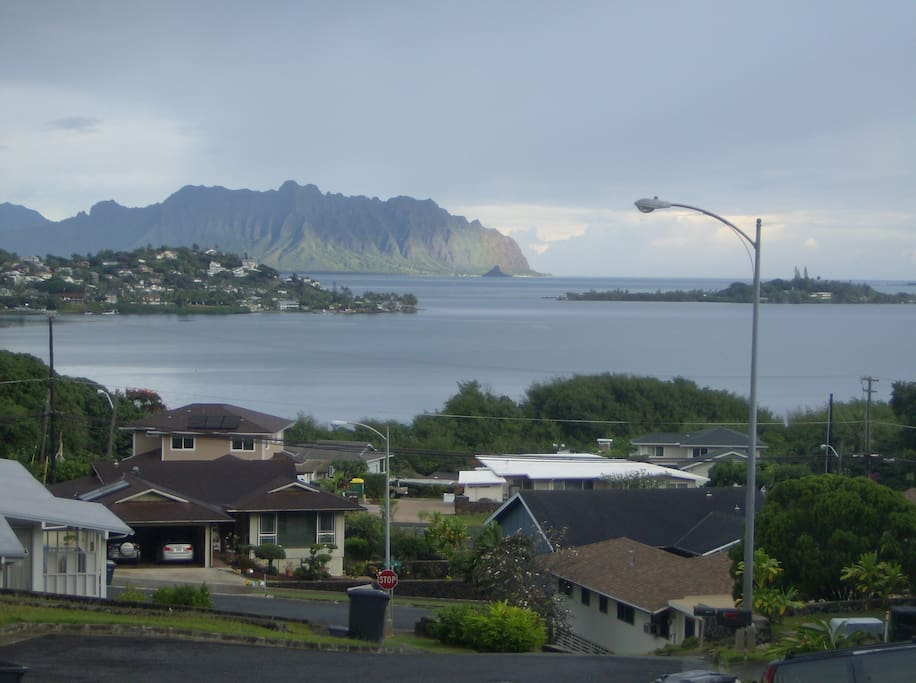 You'll never tire of the super view from the living room, dining room, kitchen and lanai. Soak up the ocean, Kaneohe Bay, Coconut Island, Ko'olau Mountains.