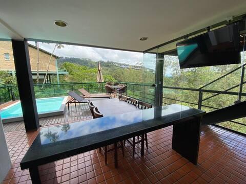 Natureza!! Ampla Casa na Serra, 15 min Itaipava!