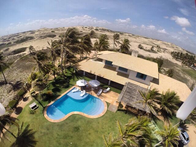Mansão na Praia de Flecheiras