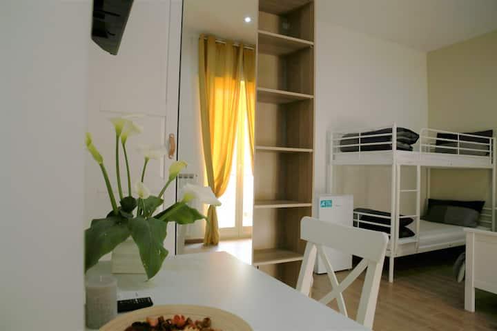 Camera quadrupla da 2 a 4 ospiti con terrazzino