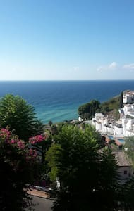 Beautiful en-suite room with pool/sea-views - nerja - Lägenhet