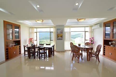 海南五指山市避暑山庄二期B1502房,大户型公寓。在五指山市郊,幽静舒适!