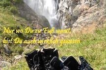 Wanderschuhe an ...und LOS GEHTS!!!