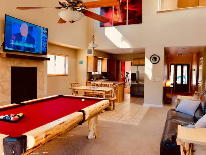 Luxe Private Mountainside Getaway in Flagstaff!
