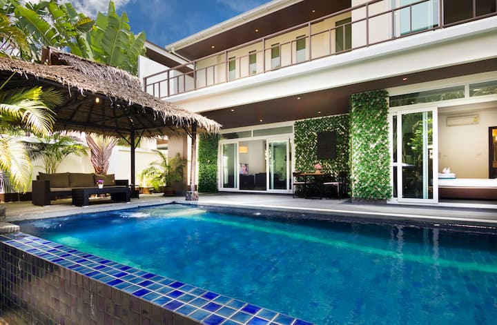 Private Pool Jacuzzi 4 Bedroom Villa T02