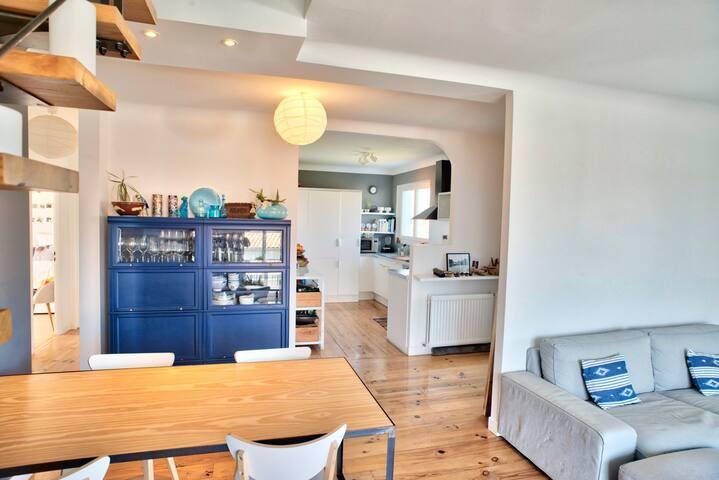 Living-room et cuisine