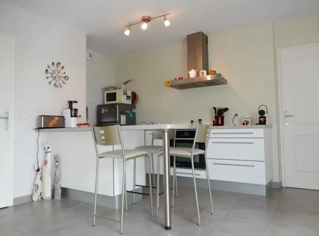 Appartement 4 personnes Prevessin (CERN & GENEVE)