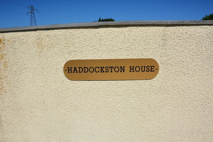 Haddockston House Apartment 1 - Houston