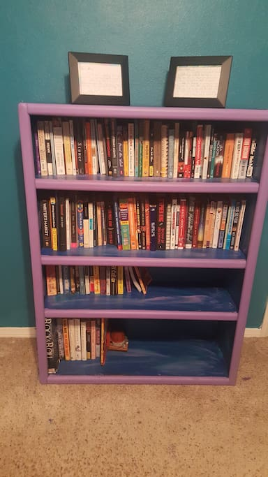 Books available to read during stay.