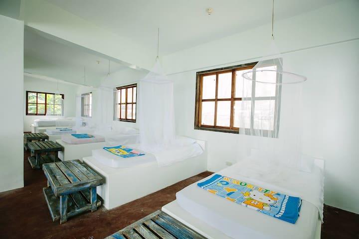 Amazing Beach House Palawan Private Beach & Staff - Coron - Villa
