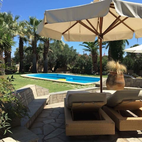 Amazing Villa With Pool in Chalkidiki