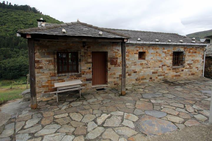 Casa Aniceto II (8 plazas) - Taramundi - Haus