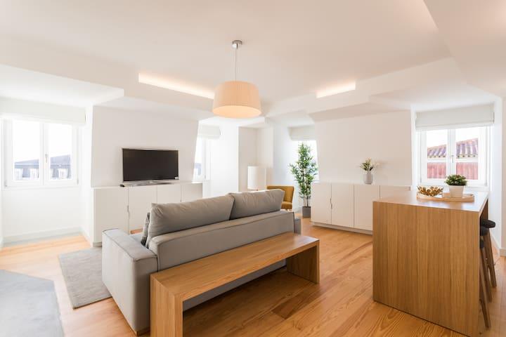 Chiado Bright Apartment