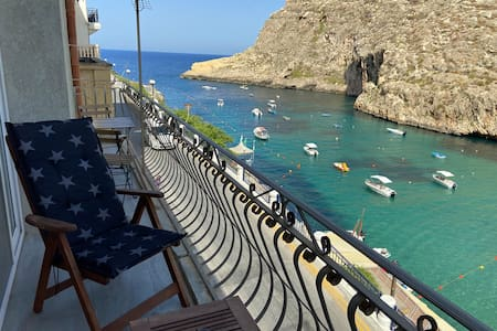 Seafront Apartment with Stunning Views, Xlendi Bay