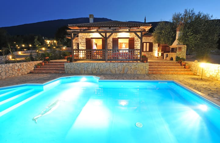 Villa Pernari Stone House