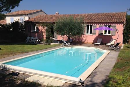 Villa avec piscine au pied du Luberon - Robion - Villa