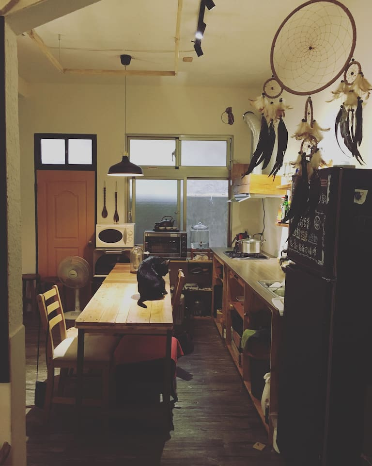 開放式廚房,完整的廚具。open Kitchen.