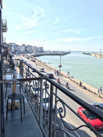 Appartement pour 4 avec terrasse, vue sur mer