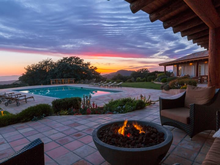 Wine Country Escape: Luxury Estate