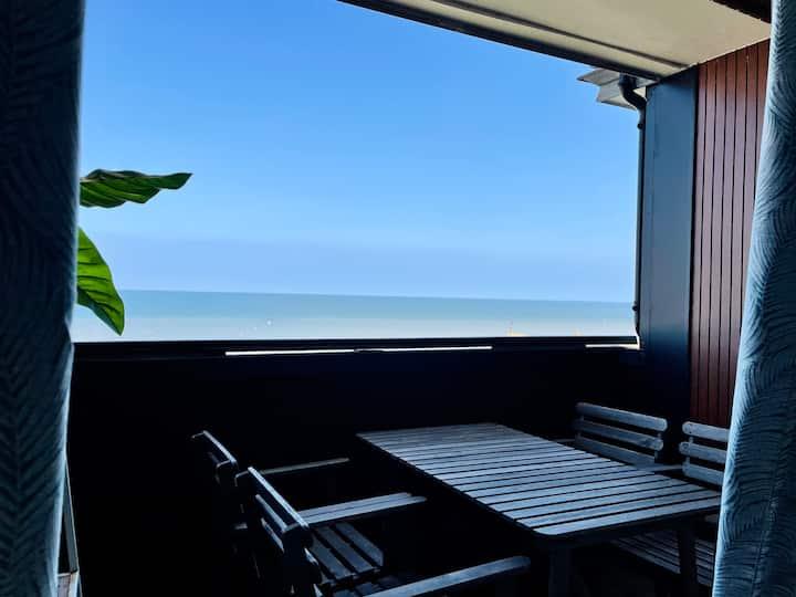 Duplex vue mer avec balcon, accès direct plage !