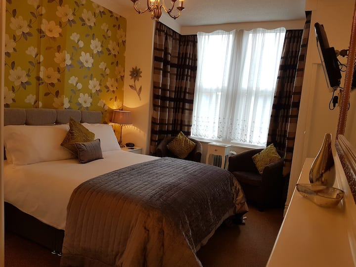 Sunflower Lodge, a lovely B&B in Bridlington