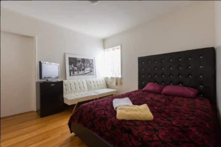 Real gem house in Santa Monica! 2nd guest room