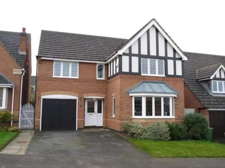 Easy Going Entire Home in Market Harborough