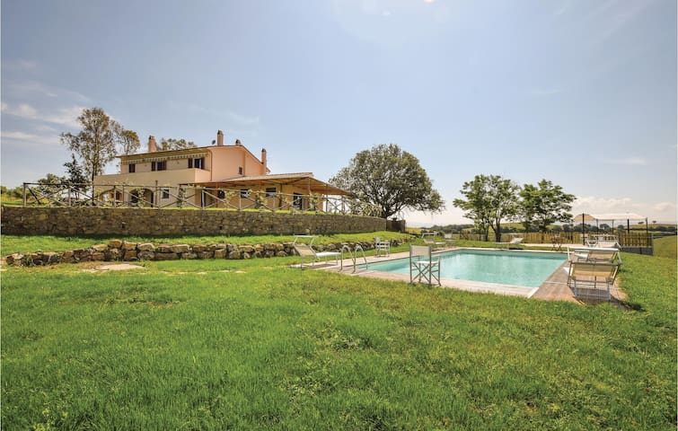 Holiday apartment with 1 bedroom on 40m² in Campagnatico -GR-