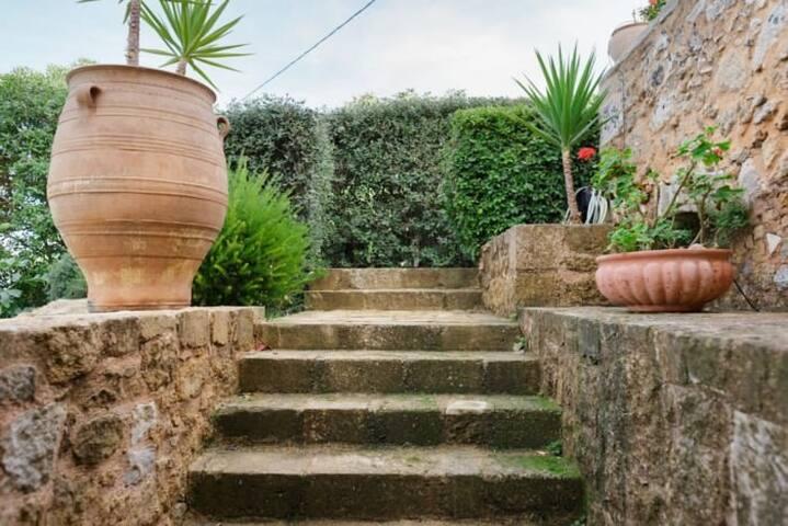 Luxurious stone villa in Crete