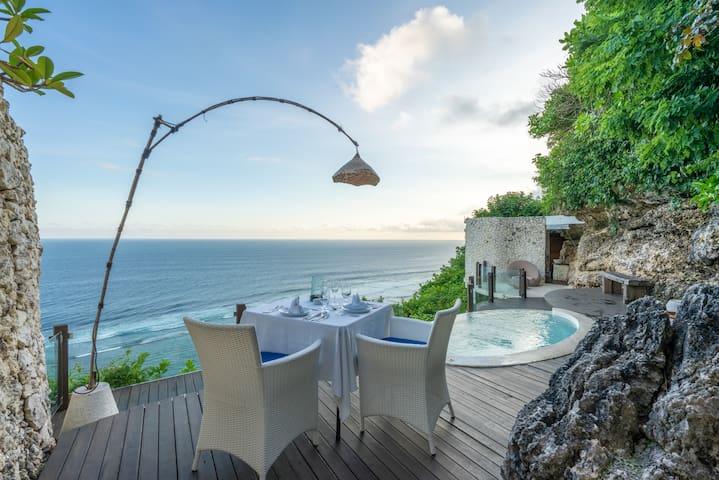4 BR villa+ beach club+gym+joga+spa+breakfast