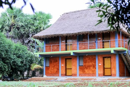 Mango leaf Homestay Deluxe Double
