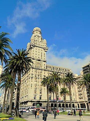 Apartamento en edificio histórico - Montevideo - Wohnung