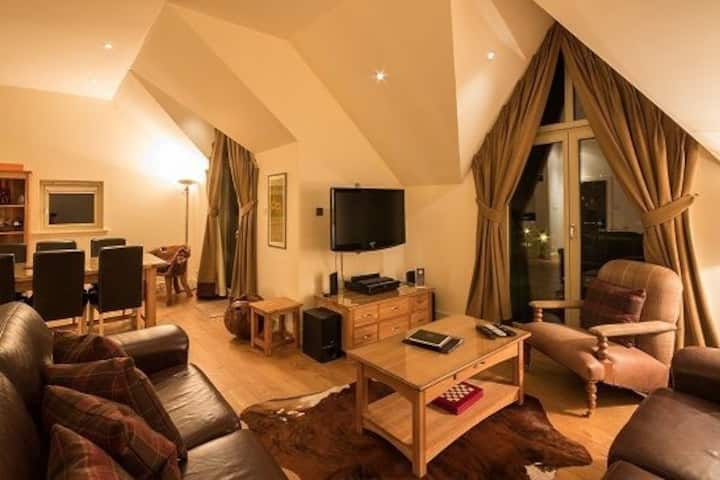 Mains of Taymouth, Kenmore -  5* Inchadney, sleeps 6 with private hot tub