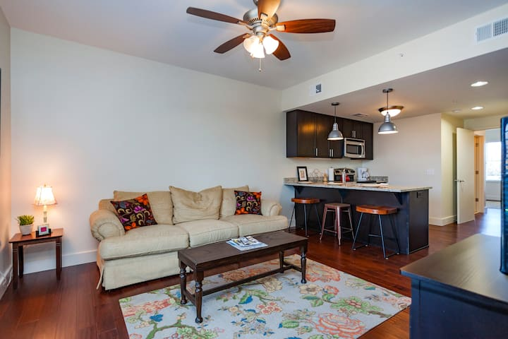 New on 12th South, 3 miles downtown - Nashville - Apartment