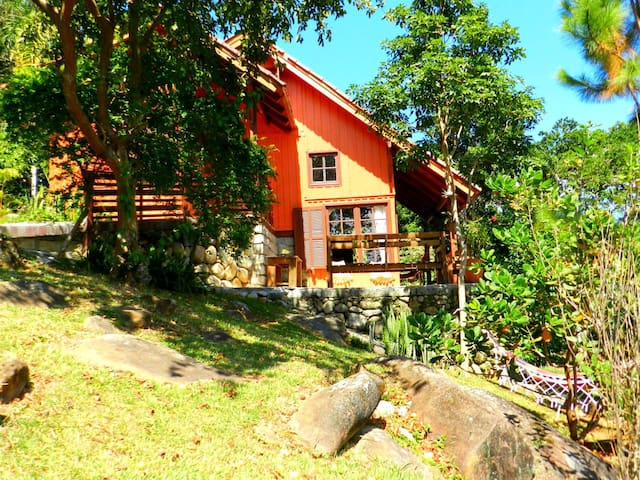 Amplia e comoda casa Praia do Rosa -Caminho do Rei - Imbituba - House