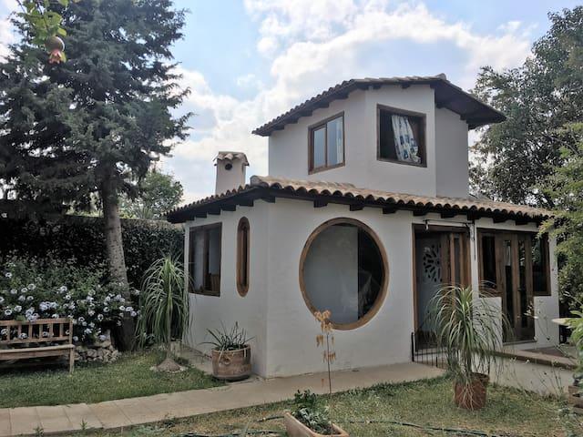 Hermosa y Cálida Cabaña en el Jardín - Comitán de Domínguez - Hytte