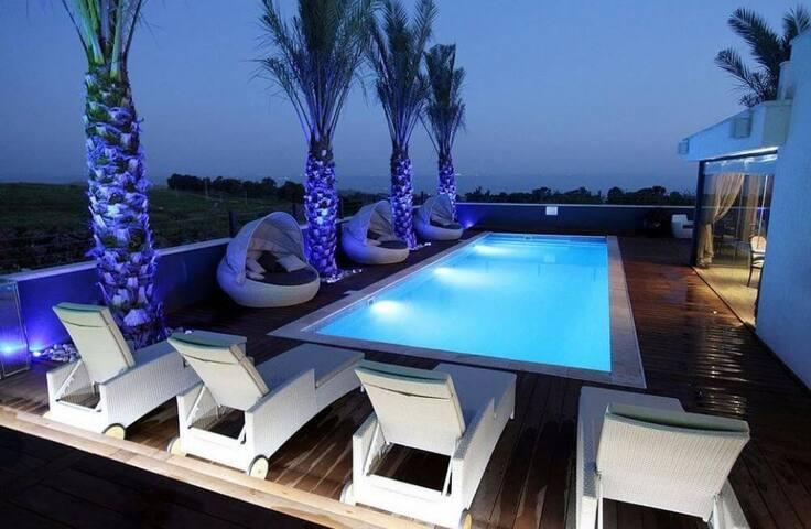 Halomot Yosef - Boutique Villa with Pool