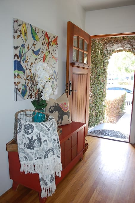 Beach Bungalow Entry