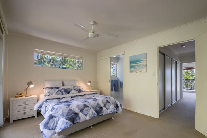 Airlie Beach Central, En-suite and Private Balcony