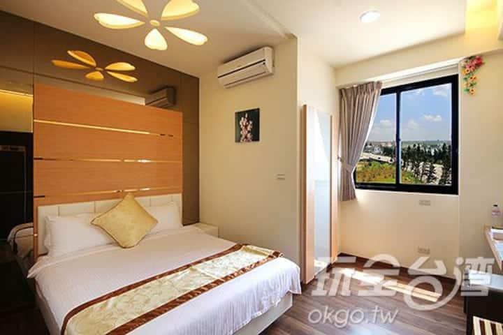 溫馨2人房 203   位於市區中間交通十分便利 澎湖住宿旅遊的最佳選擇