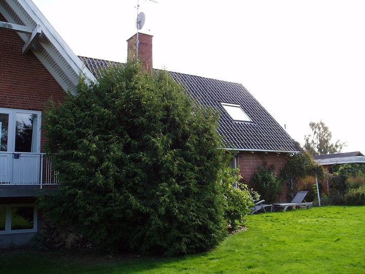 Whole house with big garden in North Sealand