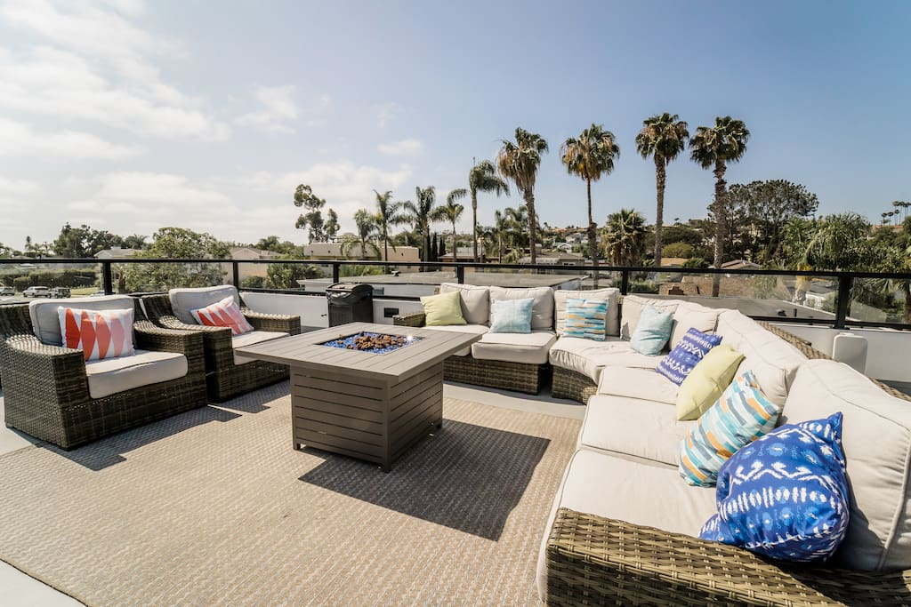 Roof top patio with  fire pit