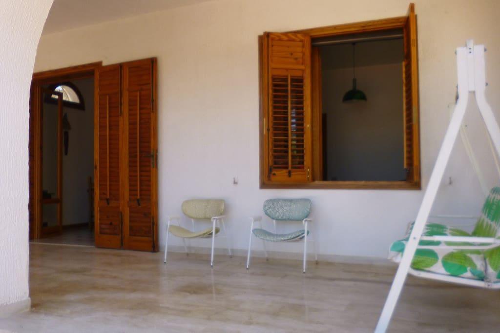 ingresso principale con veranda