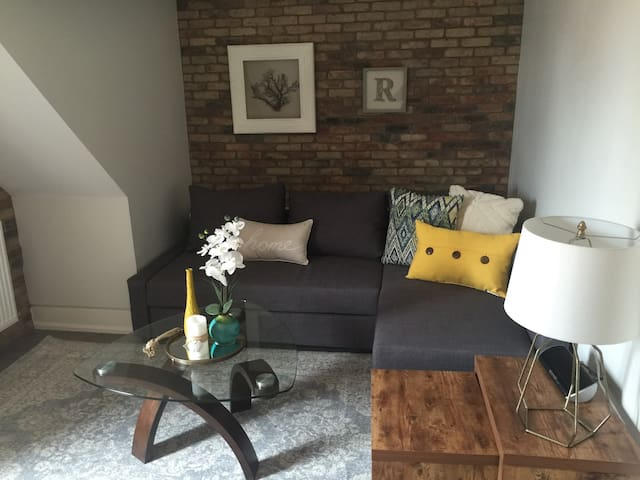 Private 2 level Apt. in the city - Toronto - Apartmen