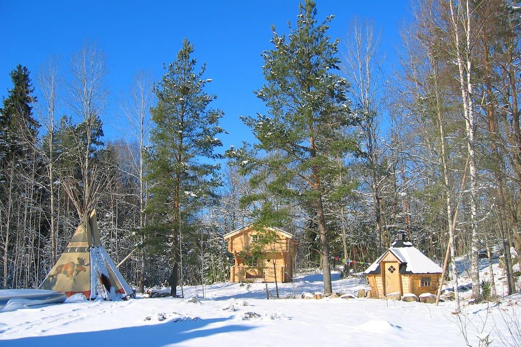 Die Härbret im Winter mit Grillhütte.