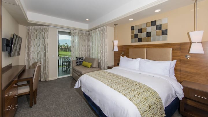 Spacious studio for 4 in Marriott's Desert Springs