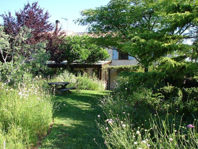 Maison ancienne piscine privative à Gardanne