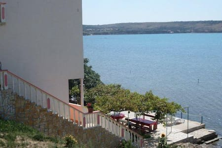 Apartman s pogledom na more - Ljubač - Byt