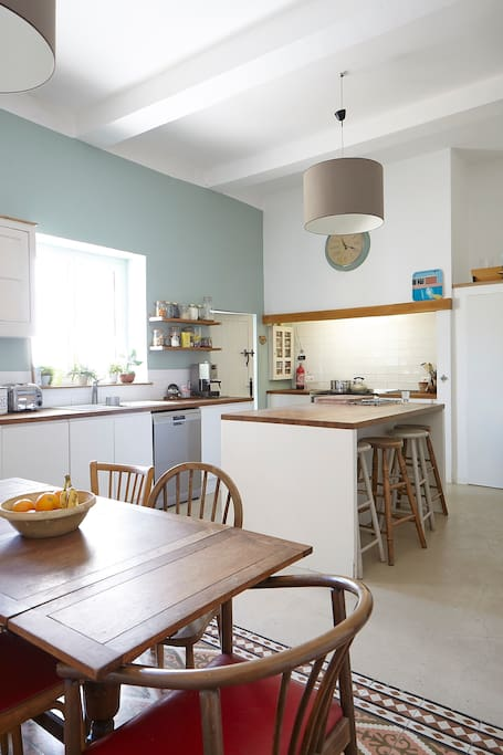 Fully equipped kitchen and seating area