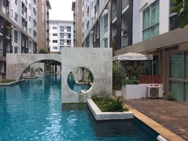 A SPACE ME SUKHUMVIT 77 - Tambon Nong Kakha - Apartment
